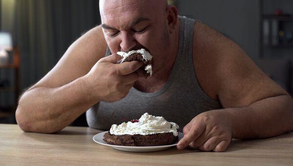 Мужчина, страдающий ожирением
