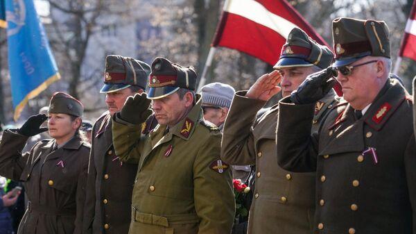 Участники марша бывших латышских легионеров Ваффен СС и их сторонников в Риге