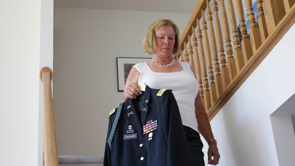 Бывший полковник армии США и трангендер Шери Спокковски в Дефорсте, штат Висконсин, США. Архивное фото