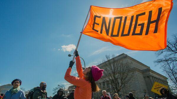 Акция Марш за наши жизни в Вашингтоне с требованием ужесточить контроль за оборотом огнестрельного оружия