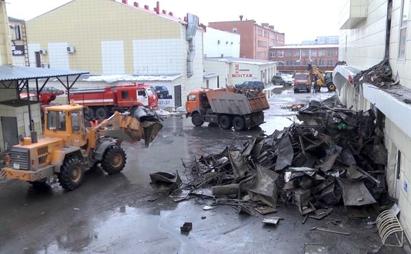 Ликвидация последствий пожара в ТЦ Зимняя вишня в Кемерово. 26 марта 2018