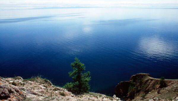 Вид на озеро Байкал. Архивное фото