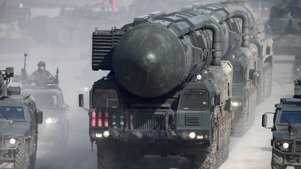 Подвижный грунтовый ракетный комплекс (ПГРК) Ярс во время репетиции Парада Победы на военном полигоне Алабино в Московской области