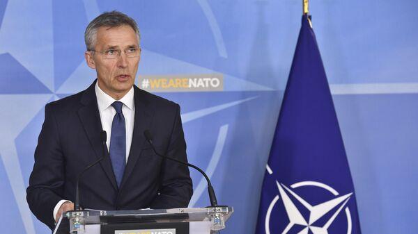 Генсек НАТО Йенс Столтенберг выступает на пресс-конференции в штаб-квартире НАТО в Брюсселе