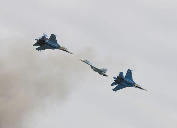 Самолеты Су-27. Архив