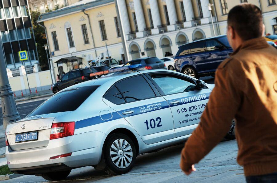 Автомобиль дорожно-патрульной службы