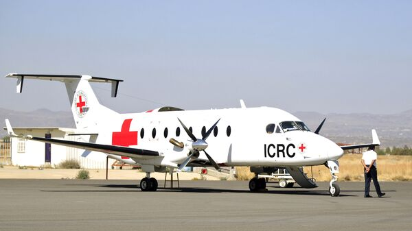 Самолет МККК в аэропорту Саны, Йемен.