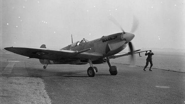 Истребитель Supermarine Spitfire IX