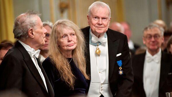 Члены Шведской академии Пэр Вэстберг, Кристина Лугн и Кьелл Эсмарк
