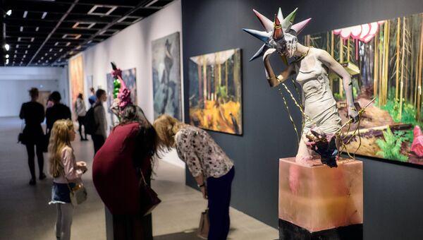 Экспонат выставки Другие Берегав Центральном выставочном зале Манеж в Санкт-Петербурге