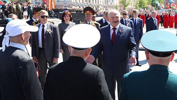 Президент Белоруссии Александр Лукашенко во время праздничных мероприятий в Минске. 9 мая 2018
