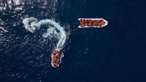 Мигрантов и беженцев спасают у берегов Ливии. Архивное фото