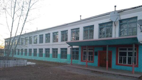 Школа  в селе Новоберезовское Забайкальского края, где работал директором погибший Сергей Маркидонов