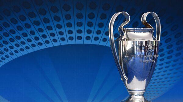 Финалы Лиги чемпионов и Лиги Европы отложены из-за коронавируса