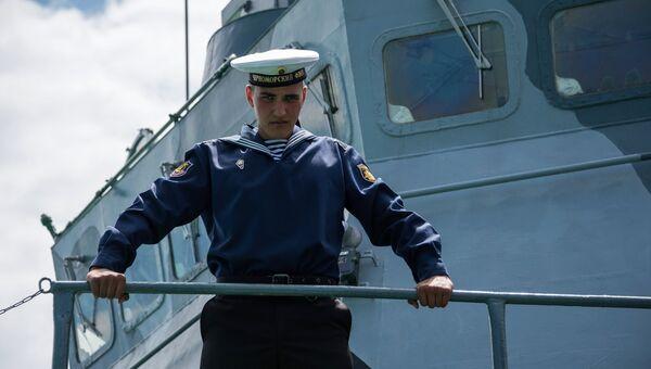 Моряк-Чернофлотец на борту боевого корабля Черноморского флота. Архивное фото