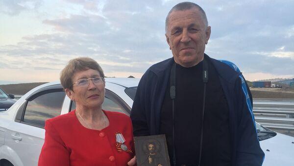 Валентина и Анатолий Булах на открытии автомобильного движения по Крымскому мосту