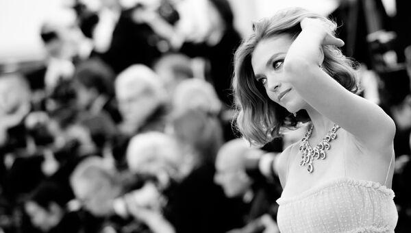 Актриса Аризона Мьюз на красной дорожке перед премьерой фильма Sink Or Swim (Le Grand Bain) в рамках 71-го Каннского международного кинофестиваля