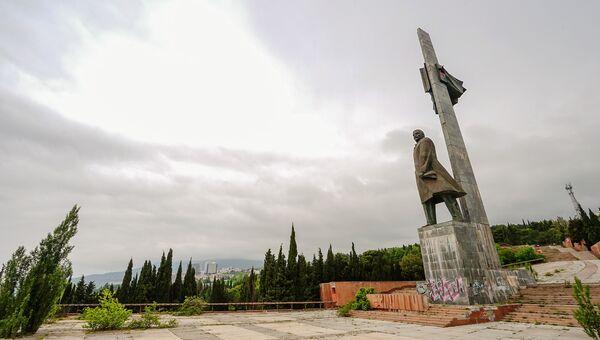 Памятник В. И. Ленину, лагерь Прибрежный, МДЦ Артек