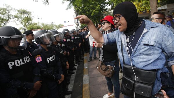 Марш под лозунгом Мы хотим выборов! в Бангкоке, Таиланд. 22 мая 2018