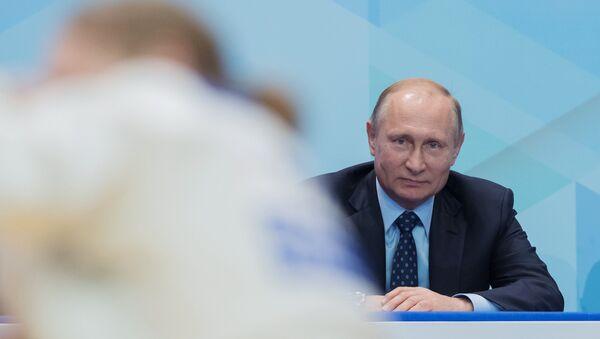 Президент РФ Владимир Путин на VI традиционном юношеском турнире по дзюдо памяти Заслуженного тренера России Анатолия Рахлина в Санкт-Петербурге. 23 мая 2018