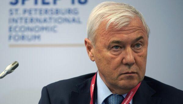 Председатель комитета Государственной Думы РФ по финансовому рынку Анатолий Аксаков на Петербургском международном экономическом форуме. 24 мая 2018