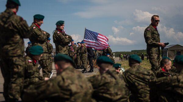 Флаг США на военной базе в Польше, архивное фото