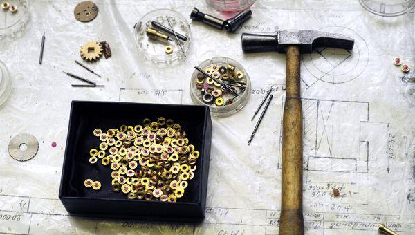 Изделия с рубиновыми камнями, используемые при изготовлении часов на заводе ООО Полет-Хронос