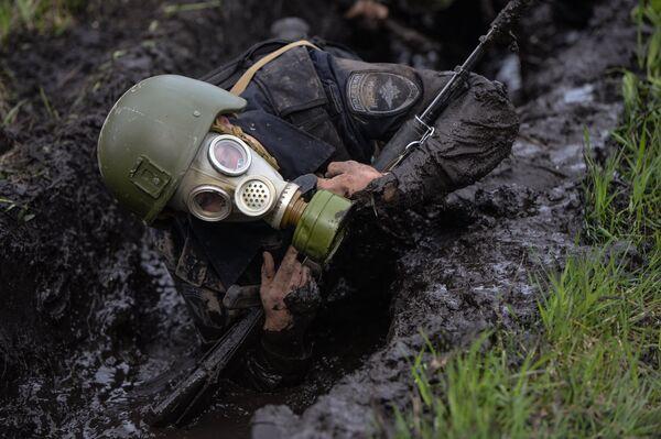 Военнослужащий подразделения специального назначения Сибирского округа Росгвардии на базе учебного центра Горный