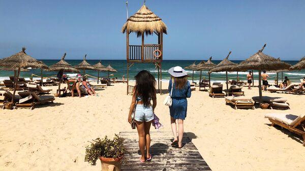 Пляж в городе Сус, Тунис