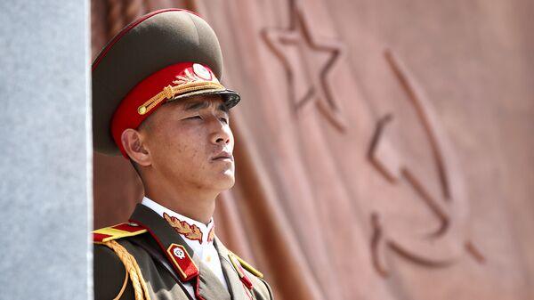 Военный в Пхеньяне