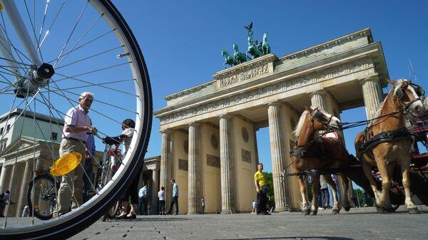 Вид на Бранденбургские ворота в Берлине