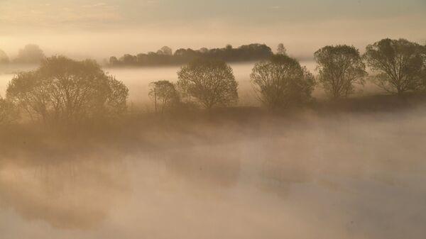 Восход солнца на реке Волге в Тверской области