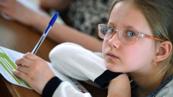 Почти у половины школьников Москвы снижена острота зрения