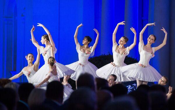 Выступление артистов на XII Международном фестивале Великое русское слово в Крыму