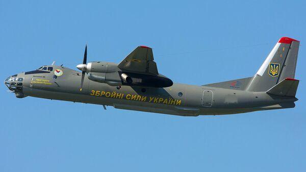 Военно-транспортный самолет Ан-26 Вооруженных сил Украины