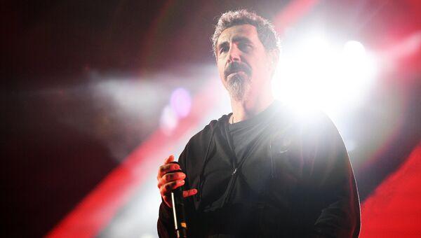 Вокалист американской группы System Of A Down Серж Танкян. Архивное фото