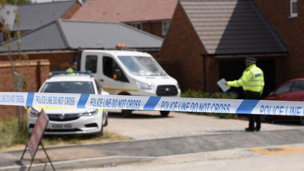 Лента полицейского ограждения у дома жертвы отравления в Эймсбери