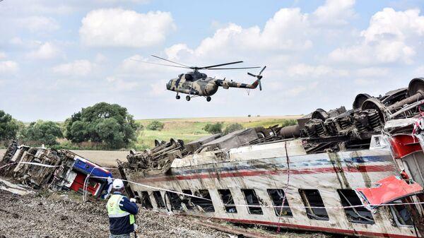 Крушение пассажирского поезда в Текирдаге, Турция