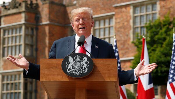 Президент США Дональд Трамп во время пресс-конференции после встречи с премьер-министром Великобритании Терезой Мэй. 13 июля 2018