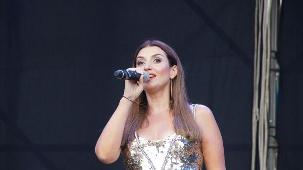 Российская исполнительница Жасмин выступила на праздничном концерте, посвященном Дню металлурга в Луганске