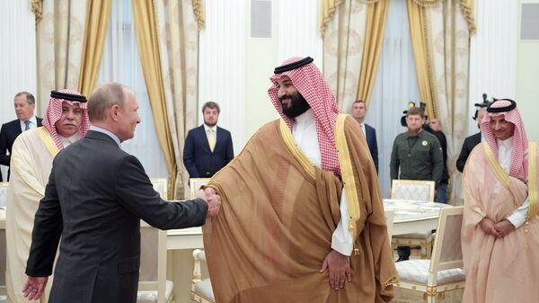 Президент РФ Владимир Путин и наследный принц Саудовской Аравии Мухаммед ибн Салман Аль Сауд