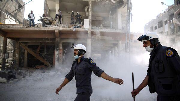Активисты организации Белые каски в Думе. Архивное фото