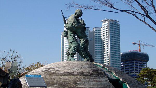 Статуя Братьев в Сеульском Музее войны