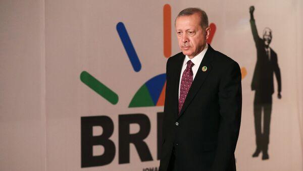 Президент Турции Реджеп Эрдоган на 10-ом саммите БРИКС в Йоханнесбурге, ЮАР. 27 июля 2018