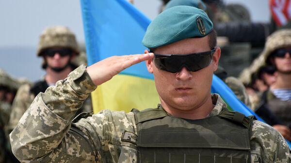 Военнослужащий армии Украины во время учений НАТО