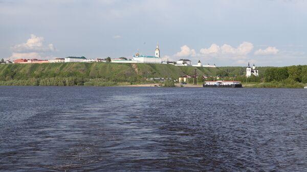 вид на Тобольск со стороны реки Иртыш