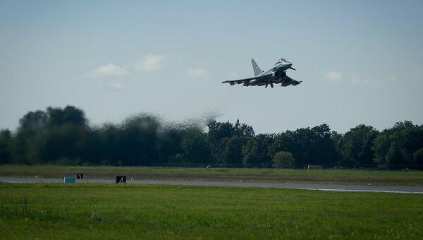 Истребитель Eurofighter на авиабазе Эмари в Эстонии