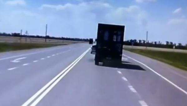 В Сети появилось видео массового ДТП на Кубани