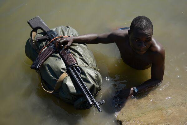Военнослужащий Вооруженных сил Зимбабве на конкурсе Отличники войсковой разведки 2018 в рамках Международных армейских игр