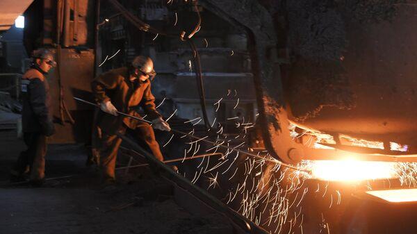 На металлургическом комбинате